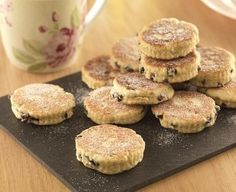 Discover our recipe for traditional Welsh Cake. Made with juicy currants and dusted with sugar, this delicious cake is perfect when served with jam.