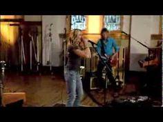 "Sheryl Crow playing harmonica (""Best of Times"") - http://www.blog.howtoplaytheharmonica.org/uncategorized/sheryl-crow-playing-harmonica-best-of-times"