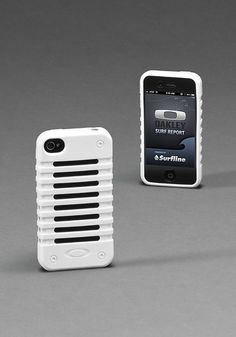 Very ichic, very iwhite Check out the Oakley Unobtainium Case for I Phone 4. #Oakley #OakleySummer