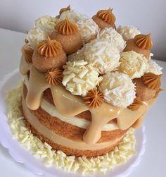 Perfeição deliciosa 😍😍 . . Via @docedomconfeitaria . . . #bolonaked #bolosdoinstagram #bolodoce #bolopelado #bololindo #confeitaria Sweet Cakes, Cute Cakes, Yummy Cakes, Bolos Naked Cake, Cake Recipes, Dessert Recipes, Delicious Desserts, Yummy Food, Gateaux Cake