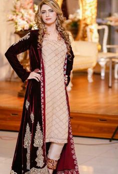 Eastern Winter Formal Fashion Look with 2019 Velvet Dresses – Designers Outfits Collection Shadi Dresses, Pakistani Formal Dresses, Pakistani Dress Design, Indian Dresses, Walima Dress, Pakistani Fashion Party Wear, Pakistani Wedding Outfits, Bridal Outfits, Indian Fashion