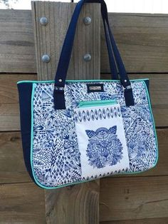 Purse Palooza – Pattern Review – Andrie Designs Goin' Uptown Tote Bag Patterns To Sew, Sewing Patterns, Beautiful Handbags, Handmade Bags, Travel Bags, Bag Making, Purses And Bags, Diaper Bag, Sewing Projects