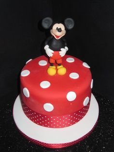 mickey mouse  Cake by dandkcreativecakes