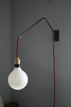 nU ' Lampe en applique metal brut inspiration Loft / Atelier 50's New House On A Budget, Lampe Tube, Loft, Interior Lighting, Lamp Light, Home Goods, New Homes, Bulb, Decoration