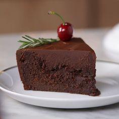 Σοκολατένια τούρτα με έξτρα γκανάς σοκολάτας