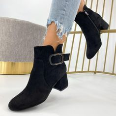 Botinele Iania sunt confortabile, elegante, si se preteaza pentru orice stil de imbracaminte, gen pantaloni, fusta sau rochie.  Marimi disponibile - 37, 38, 39, 40, 41. Materialul este din piele ecologica intoarsa cu interior captusit. Inaltimea tocului este de 6 cm. #botinedama #botinenegre #botine #incaltamintedama #incaltamintefemei Booty, Ankle, Shoes, Fashion, Moda, Swag, Zapatos, Wall Plug, Shoes Outlet