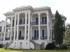 I love southern plantation homes.