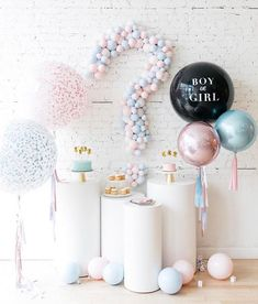 8 Gender Reveal Party Ideas You have to Try! A roundup of some amazing and unique gender reveal ideas that you and your loved ones will love! reveal 8 Gender Reveal Ideas You Have To See Gender Reveal Party Games, Gender Reveal Themes, Gender Reveal Balloons, Gender Reveal Party Decorations, Reveal Parties, Gender Party Ideas, Baby Reveal Party Ideas, Firework Gender Reveal, Kids Party Themes