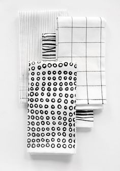 DIY illustrated napkins using fabric markers; black & white textile print design
