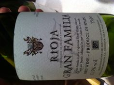 W zasadzie Klasyczna Rioja. W zasadzie, bo jednak trochę więcej owocu niż zwykle, co powoduje, że wino można pić bez towarzystwa jedzenia. Polecam - ale nie wiem gdzie kupione i za ile (sąsiad przyniósł :-)).