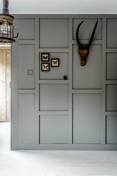 Like this paneling done in a modern way - adds coziness, not too modern Vlakbij de molen Gray Interior, Interior Walls, Inspiration Wall, Interior Inspiration, Grey Houses, Interior Concept, Living Styles, Home And Living, Interior Decorating