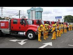 Gobierno entregó 13 camiones de bomberos para el 911 - YouTube