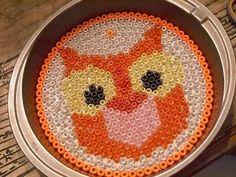 owl suncatcher craft Make Pretty Halloween Suncatchers Plastic Beads Melted, Melted Pony Beads, Melted Bead Crafts, Pony Bead Crafts, Pony Bead Patterns, Beading Patterns, Loom Beading, Pretty Halloween, Halloween Crafts
