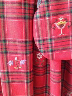 FINN – Sjelden bunad. Gausdalsbunad/Vågå festbunad/Gudbrandsdalen festbunad Bridal Crown, Handicraft, Damask, Norway, Folklore, Creative, Pattern, Color, Costumes