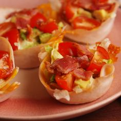 Turkey Club Cups - love in my tummy. - Turkey Club Cups may actually convince you to give up bread … for real this time. Full recipe at - Low Carb Recipes, Cooking Recipes, Healthy Recipes, Clean Eating Snacks, Healthy Snacks, Delish Com, Comida Keto, Good Food, Yummy Food
