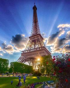 Top 10 Secrets of the Eiffel Tower in Paris - noorus simar - - Top 10 Secrets of the Eiffel Tower in Paris - noorus simar Eiffel Tower Art, Eiffel Tower At Night, Eiffel Tower Photography, Paris Photography, Torre Eiffel Paris, Hotel Des Invalides, Paris Wallpaper, Little Paris, Beautiful Paris