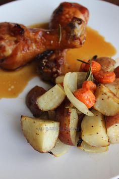 Pollo son salsa de soya y papas al romero