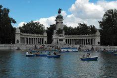 Retiro - lago y barquitas Madrid, Cities