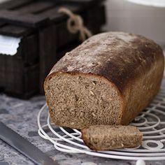 Pan integral casero con semillas. 2 levados