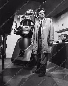 photo Robby the Robot in TV show Columbo Peter Falk Mind Over Mayhem 2234-28