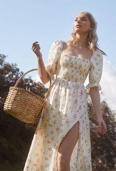 Floral Side Slit Dress - Most Beautiful Bag Models 2019 Unique Dresses, Cute Dresses, Casual Dresses, Fashion Dresses, Maxi Dresses, Fashion Clothes, Floral Dresses With Sleeves, Elegant Dresses, Casual Outfits