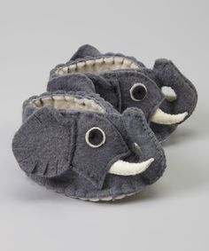 Elephant Zooties Baby Booties - Silk Road Bazaar These Elephant Zooties are handcrafted from locally sourced sheep's wool in Kyrgyzstan. They are the perfect natural and environmentally conscious baby shoe. Made for babies up to 12 months. Baby Booties, Baby Shoes, Booties Outfit, Booties Crochet, Cute Babies, Baby Kids, Baby Elefant, Little Elephant, Elephant Baby