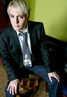 Nick Rhodes of Duran Duran ::swoon:: John Taylor, Roger Taylor, Nick Rhodes, Simon Le Bon, Great Bands, Cool Bands, Birmingham, New Wave, Amazing Songs