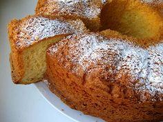 Пасхальная Коломба (голубка) - традиционная итальянская сладкая выпечка на Пасху в форме креста (голубки), украшенный миндалем и шариками сахара. В Италии…