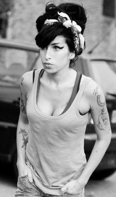 Amy Winehouse - gran pérdida para el mundo de la música.
