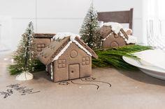 Christmas Kids' Table - VALÉRIE DE L'ÉTOILE INTERIOR DESIGNER Designer, Gingerbread, Bird, Outdoor Decor, Home Decor, Decoration Home, Room Decor, Ginger Beard, Birds
