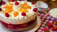 peach raspberry trifle