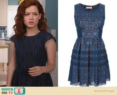 Tessa's blue circular patterned dress on Suburgatory. Outfit Details: http://wornontv.net/26572 #Suburgatory #fashion - Exact style not available online