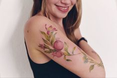 Luiza Blackbird Oliveira pomegranate Tattoo Pomegranate Tattoo, Blackbird, South America, Watercolor Tattoo, Tattoo Designs, Tattoos, Tattoo Ideas, Rome, Tatuajes