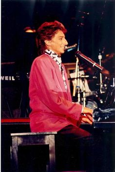 Barry Manilow during his Big Fun Tour de Force Barry Manilow Live On Broadway Tours. This was Barry's semi autobiographical tour. Barry took us to see the people, place and things he saw along the way to Mandy.