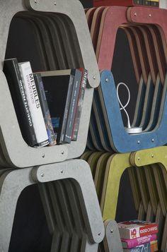 Etagère boomerang en papier