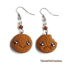 Earrings kawaii cookie with bite Velours Noir Crèations, 7,00 € su misshobby.com