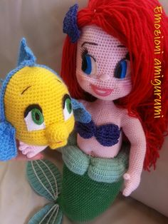Ariel e Flounder Crochet Fairy, Crochet Mermaid, Knit Crochet, Crochet Hats, Crochet Things, Crochet Disney, Amigurumi Toys, Movie Characters, Handmade Toys