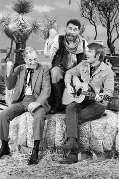 Old Western Actors, Western Movies, Best Country Singers, Country Music, Classic Hollywood, Old Hollywood, Ken Curtis, Tommy Dorsey, Glen Campbell