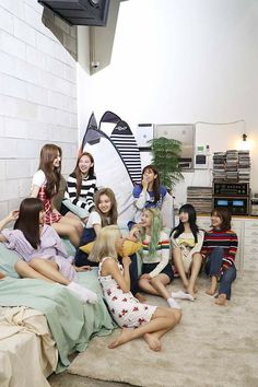 Find images and videos about kpop, twice and chaeyoung on We Heart It - the app to get lost in what you love. J Pop, Kpop Girl Groups, Korean Girl Groups, Kpop Girls, Twice Dahyun, Tzuyu Twice, Fancy, Signal Twice, Mbti Type