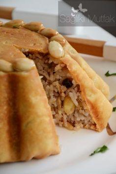 Perde Pilavı – Sağlıklı Mutfak Turkish Recipes, Italian Recipes, Ethnic Recipes, Fish And Meat, Fish And Seafood, Turkey Today, Turkish Sweets, Turkish Kitchen, Fresh Fruits And Vegetables