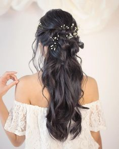 Partial updo bridal hairstyle – Half up half down wedding hairstyles Teilweise Hochsteckfrisur Brautfrisur – Halb hoch halb runter Wedding Hairstyles Half Up Half Down, Half Up Half Down Hair, Wedding Hairstyles For Long Hair, Bride Hairstyles, Down Hairstyles, Bridal Hair Half Up With Veil, Gorgeous Hairstyles, Long Curly Wedding Hair, Half Up Curly Hair