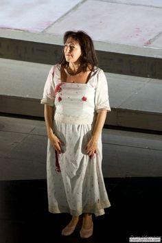 Aida, Bayerische Staatsoper, 25.09.2015 Krassimira Stoyanova Opera Singers, Opera House, Photography, Beautiful, Dresses, Fashion, Vestidos, Moda, Photograph
