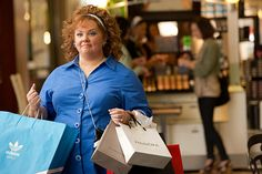 Melissa McCarthy picking up a few essentials in Identity Thief. Look for it on Blu-ray & DVD June Identity Thief, Jason Bateman, June 4th, Melissa Mccarthy, Universal Studios, Movies And Tv Shows, Easter Eggs, Essentials, Reading