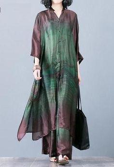Spring Loose Printing Shirt And Pants - Red / M Spring Loose Printing Shirt And Pants Source by Pakistani Fashion Party Wear, Muslim Fashion, Ethnic Fashion, Hijab Fashion, Indian Fashion, Boho Fashion, Fashion Dresses, Kurta Designs Women, Blouse Designs