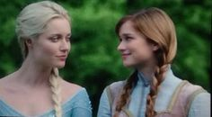 First look at Elsa and Anna on Once Upon A Time!