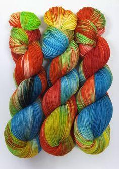 """Handgesponnen & -gefärbt - """"Luftschlangen"""" Sockenwolle handgefärbt, Merino - ein Designerstück von faserbunt bei DaWanda"""