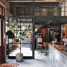 The Industrial Loft is the ideal type of housing for seeking practicality and style. Coffee Shop Interior Design, Industrial Interior Design, Coffee Shop Design, Restaurant Interior Design, Industrial Interiors, Industrial Restaurant Design, Brewery Interior, Industrial Coffee Shop, Industrial Cafe