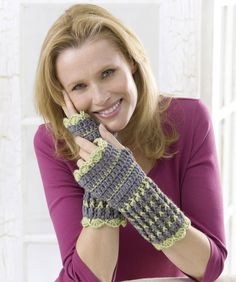 Winter Crochet Wristers - free crochet pattern