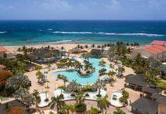 Estamos listos para pasarnos el día alternando entre la piscina y la playa del St. Kitts Marriott Resort & the Royal Beach Casino.