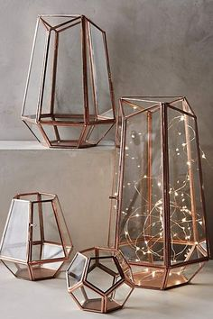 This trick also works with a geometric lantern or terrarium. String lights in geometric vases Gold Home Decor, Diy Home Decor, Rose Gold Room Decor, Home Decor Items, Diy Room Decor For College, Home Decor Accessories, Decorative Accessories, Copper Accessories, Rose Gold Bedroom Accessories